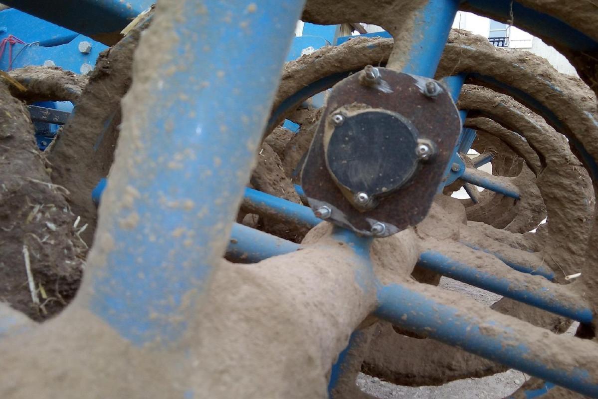 Compte tour OGO connecté fixé sur rouleau